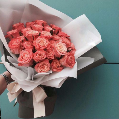 Купить на заказ Заказать Букет из 31 коралловой розы с доставкой по Аркалыку с доставкой в Аркалыке