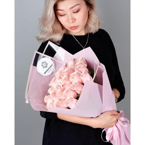 Купить на заказ Заказать Букет из 25 розовых роз с доставкой по Аркалыку с доставкой в Аркалыке