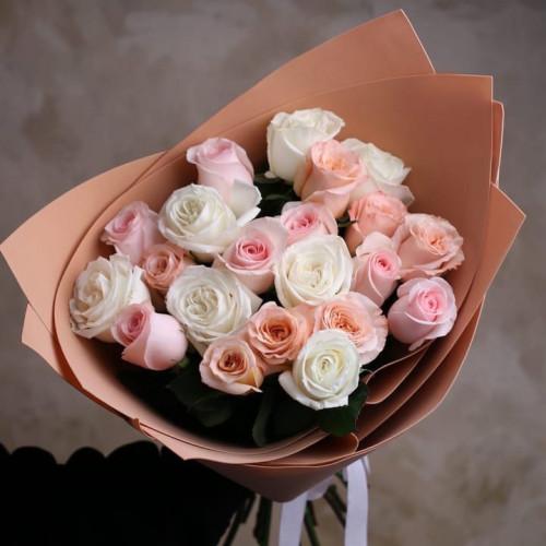 Купить на заказ Заказать Букет из 21 розы (микс) с доставкой по Аркалыку с доставкой в Аркалыке