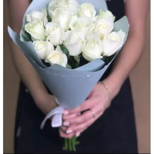 Купить на заказ Заказать 15 белых роз с доставкой по Аркалыку с доставкой в Аркалыке